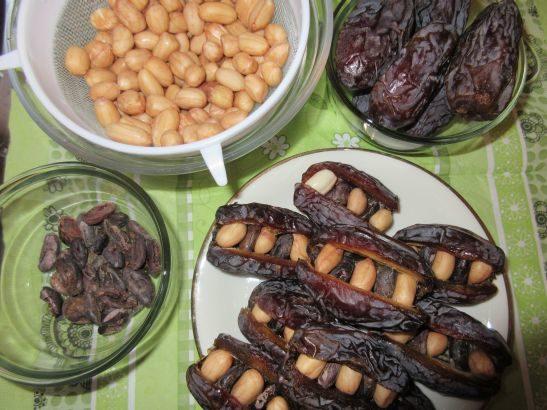 Datteln gefüllt mit Erdnüssen