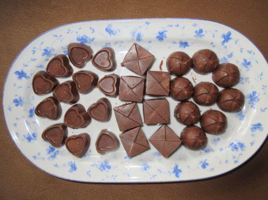 Pralinen aus zartschmelzender Schokolade