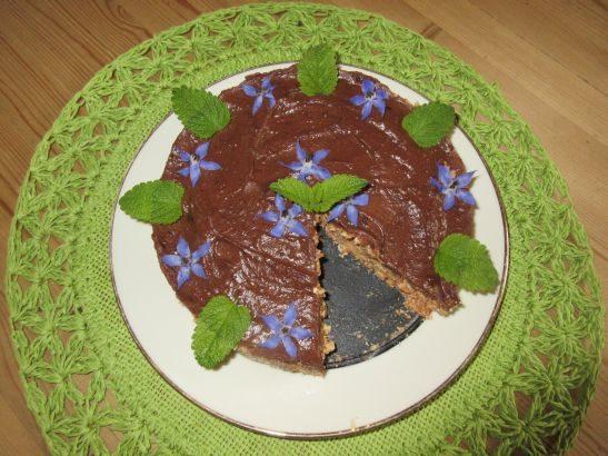 Kuchen mit Karotten und Schokoglasur