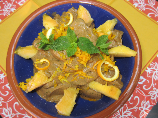 Schoko-Brennessel-Mangoeis mit einem Hauch Orange